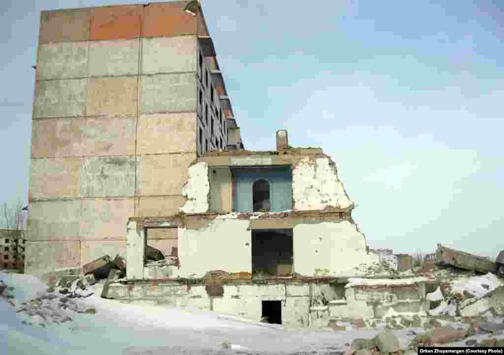 Дома, опустевшие в 2000-х годах.