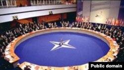 Praga, summitul NATO din 2002