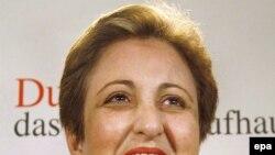 به گفته خانم عبادی، حقوق زنان ایران طی سال های اخیر بیش از گذشته به مخاطره افتاده است.