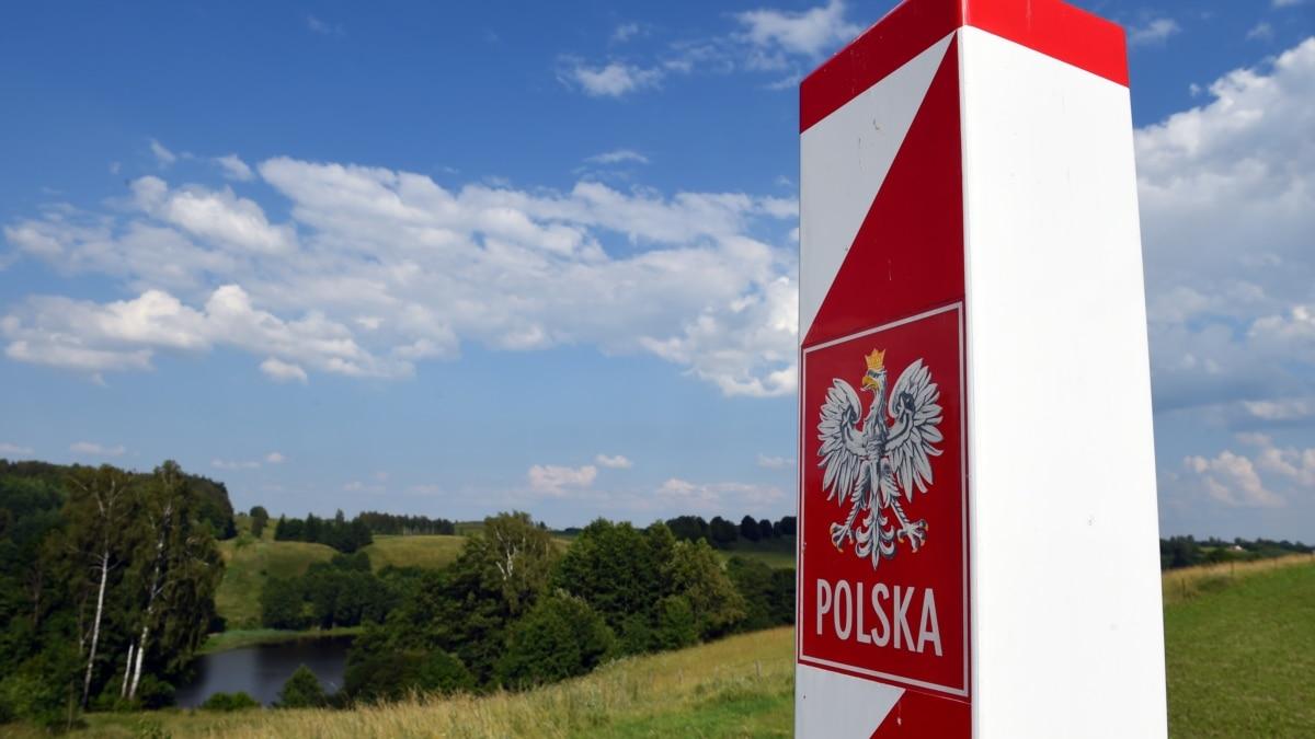 Несколько десятков украинцев третьи сутки задерживают польские пограничники на границе с Чехией – СМИ