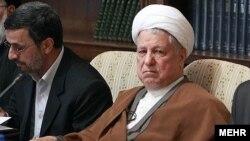 اکبر هاشمی رفسنجانی و محمود احمدینژاد در جلسه مجمع تشخیص مصلحت نظام