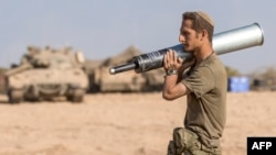 یک سرباز اسرائیل در جریان جنگ ۵۱ روزه غزه