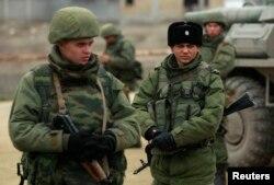 Военные в Феодосии