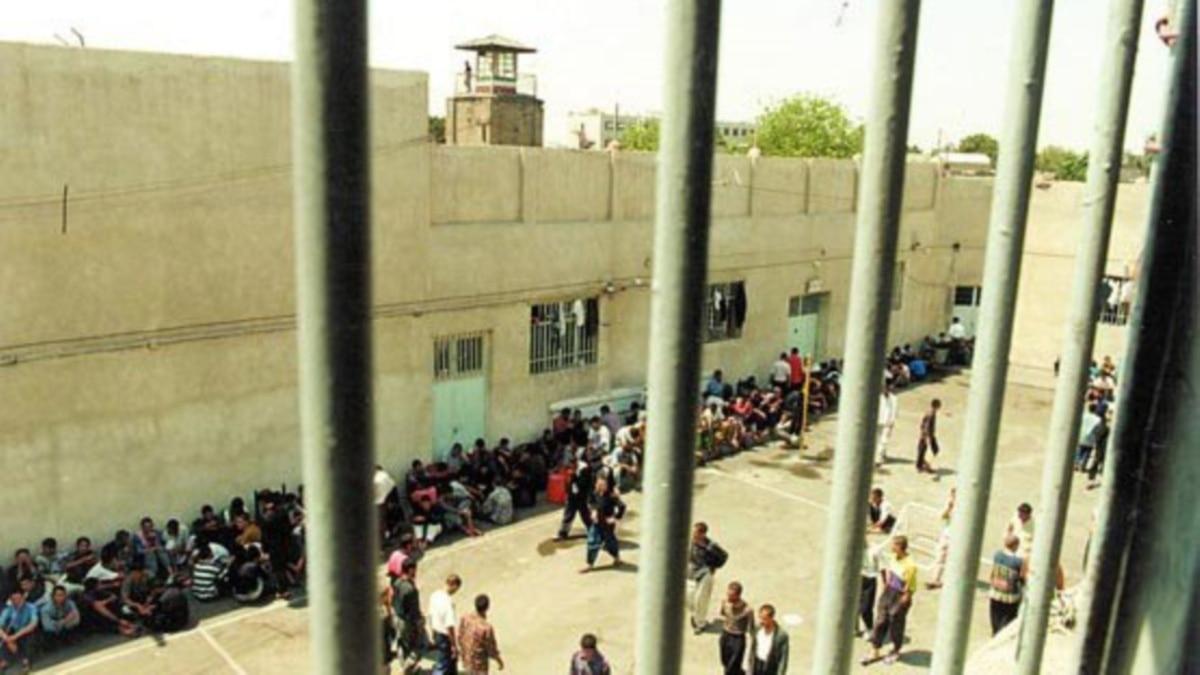 В Иране освободили тысячи заключенных, чтобы предотвратить распространение коронавирус