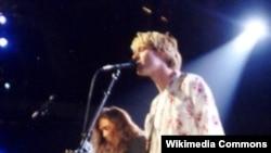 Курт Кобейн в 1992 году на церемонии MTV Video Music Awards