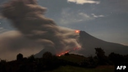 Indonezi - Mali Sinabung pas shpërthimit, 01 shkurt, 2014