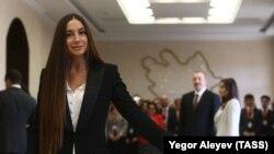 Arzu Əliyeva 11 aprel prezident seçkisində səs verir
