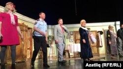 """""""Түтиләр"""" спектакленнән соң"""