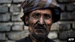 یکتن از معدنچیان ذغال سنگ در افغانستان