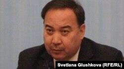 Ержан Қазыхановтың Қазақстан сыртқы істер министрі кезіндегі суреті. Астана, 15 қараша 2011 жыл.