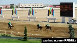 At aýlawy, Türkmenistan (arhiw suraty)