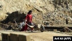 Lahorda pakistanlı qız