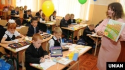День знань в одній зі шкіл Києва, 1 вересня 2016 року (Ілюстраційне фото)
