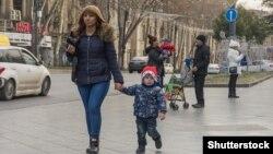 Жители района Глдани в Тбилиси
