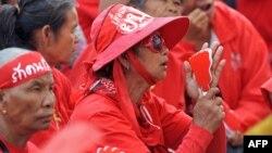 """Таиландские """"краснорубашечники"""" выходят на революцию."""