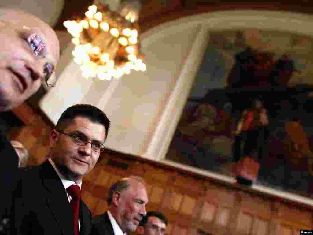 Ministar spoljnih poslova Srbije, Vuk Jeremić, prilikom iznošenja mišljenja Suda, 22. jul 2010.