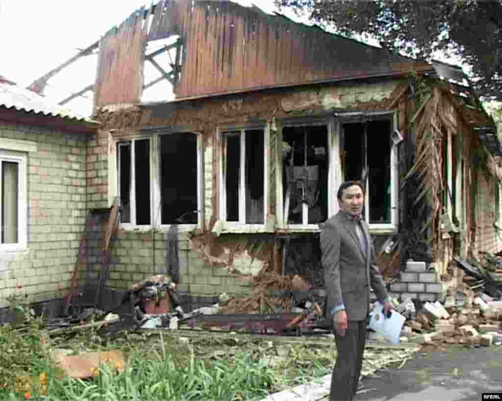В Казахстане при пожаре пациенты наркодиспансера оказались запертыми снаружи. Погибли 38 человек, в том числе двое сотрудников диспансера, около 40-а человек спаслись