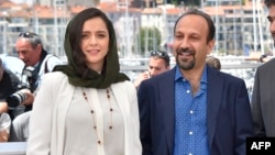 Will visa restrictions also apply for Academy Award-winning Iranian film director Asghar Farhadi (right), who was nominated for a second Oscar this week for his film The Salesman? Actress Taraneh Alidoosti (left) says she will not attend the Oscar ceremony in protest.