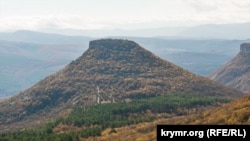 Вид на плато Тепер-Кермен з півночі