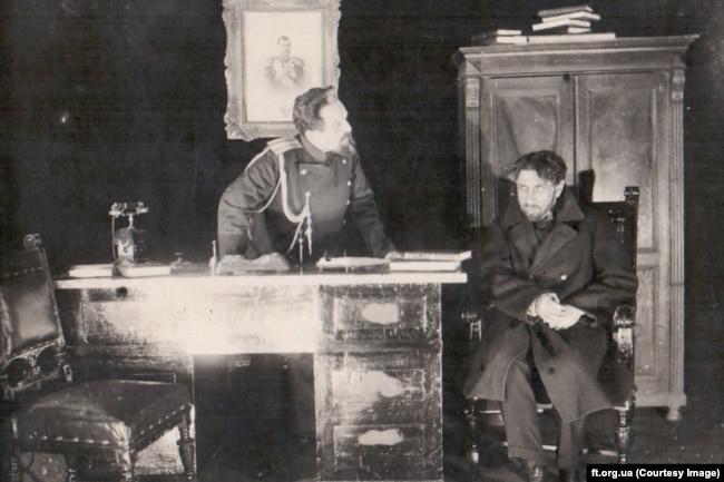 Перша вистава театру імені Франка – «Гріх», за п'єсою Винниченка. 28 січня 1920 року
