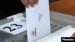 Երեւանի ավագանու մայիսի 5-ի ընտրությունները ընտրատեղամասերից մեկում