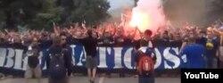 Боснийские футбольные хулиганы перед матчем сборных Боснии и Израиля в 2015 году