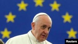 Выступление Франциска в Страсбурге