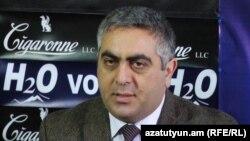Արծրուն Հովհաննիսյան, արխիվ