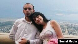 Rasim Əliyev və nişanlısı Gülər Abbasova (arxiv fotosu)