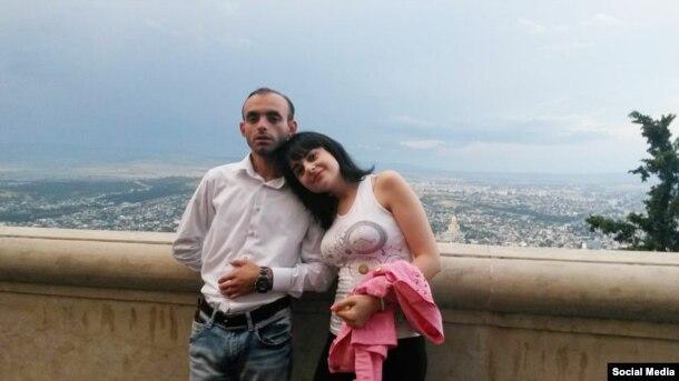 Gülər nişanlısı Rasimlə