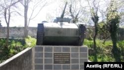 Хан сараена карап торучы совет танкы
