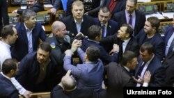 Бійка у Верховній Раді. Київ, 3 березня 2015 року