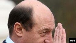 Traian Băsescu, în 2000, vicepreședinte PD