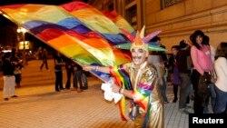 На вулицях столиці Уругваю Монтевідео святкують рішення парламенту