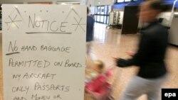 В первые дни после раскрытия заговора British Airways терял 3,5 миллиона фунтов в час в результате отмены 384 из 580 своих рейсов