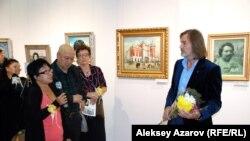 """Никас Сафронов принимает поздравления в Казахстане - там он еще не """"народный художник"""" (архивное фото)"""