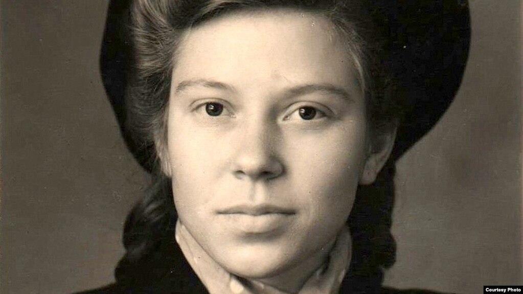 17-гадовая тэлеграфістка Ніна Пракоф'ева (Менск, 1949год)