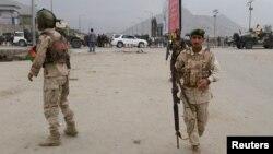В районе афганской столицы, где прогремел взрыв. Кабул, 19 апреля 2016 года.