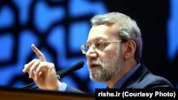 رییس مجلس ایران میگوید که طرفهای مذاکره با تهران «در مسئله رفع تحریمها مشکل به وجود میآورند».