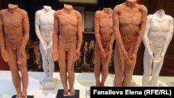 Современная скульптура в музее Фрейда в Вене