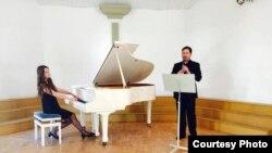 Концерт на македонските уметници Бранко Павловски и Ема Потевска Попивода.