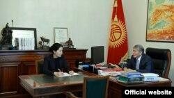 Индира Джолдубаева и Алмазбек Атамбаев.