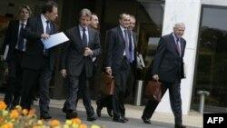 پیر ویمون (راست) سفیر فرانسه در واشینگتن، نام حامیان تهران در شورای امنیت را اعلام نکرد.