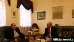 ՀՀ առաջին նախագահ Լևոն Տեր-Պետրոսյանն ընդունել է ԼՂ նախագահ Բակո Սահակյանին, Երևան, 23-ը ապրիլի, 2018 թ․