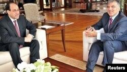 الرئيس التنركي غل يستقبل المالكي اثناء زيارته الى تركيا في تشرين الاول 2010
