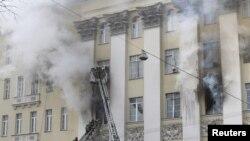 Пожар в здании Минобороны на Знаменке