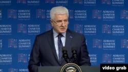 Премиерот на Црна Гора Марковиќ