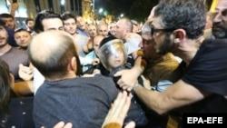 Судири меѓу полицијата и демонстрантите на протестите во Тбилиси