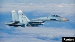 Ռուսական օդուժի Սու-27 օդանավը թռիչքի ժամանակ, արխիվ