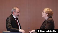 Премьер-министр Армении Никол Пашинян и канцлер Германии Ангела Меркель, Берлин, 13 февраля 2020 г.
